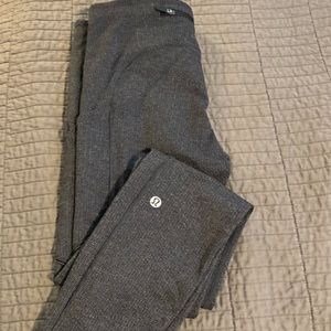 LULU size 6 leggings